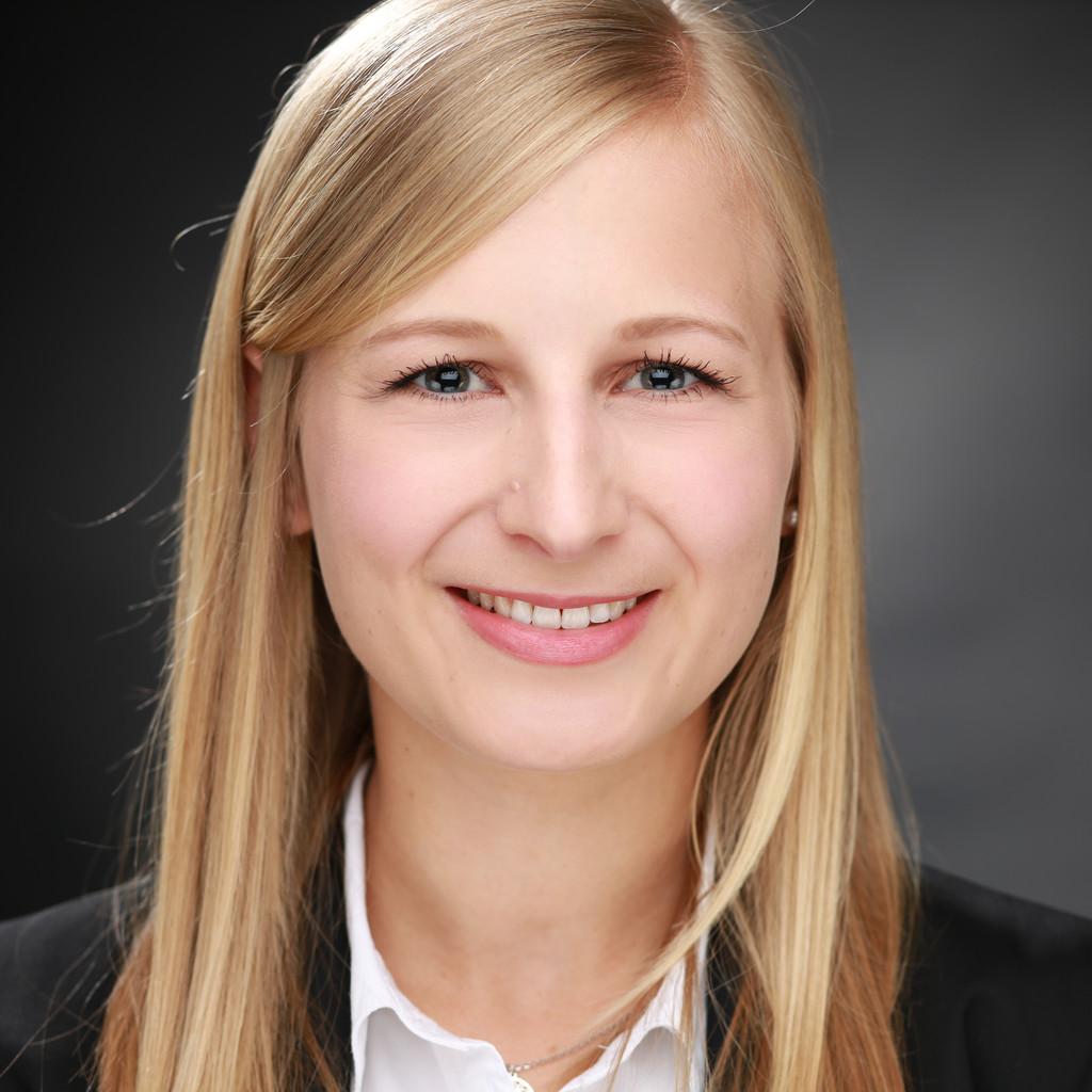 Kerstin paul werkstudentin consulting finance advisory kpmg ag for Nc wirtschaftswissenschaften