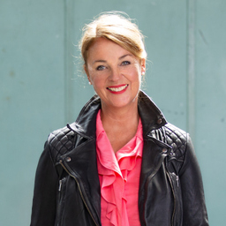 Nicola Hammerschmidt - swishcompany trainings workshops coachings  - workART Organisationsentwicklung - Kastanienbaum
