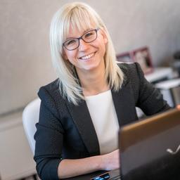 Julia Bock - https://businessqueen.com - Bautzen