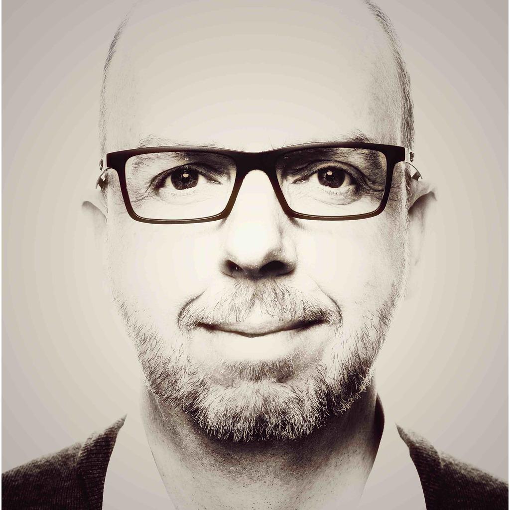 <b>Jens Remmert</b> - Bereichsleiter Recht - Kassenärztliche Vereinigung Hamburg | ... - jens-remmert-foto.1024x1024