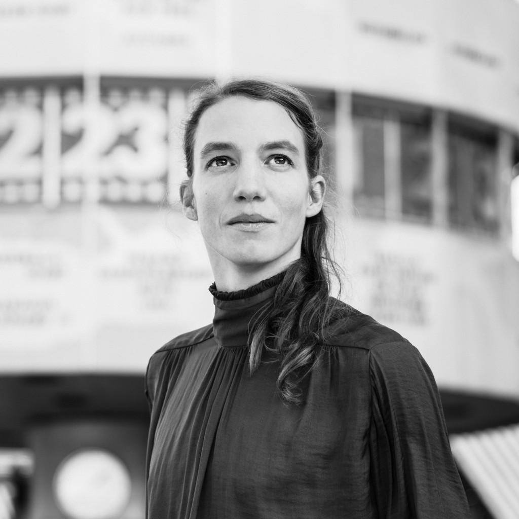 Julia kreckel art director julia kreckel xing for Art director jobs berlin