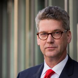Dr. Stefan Willems
