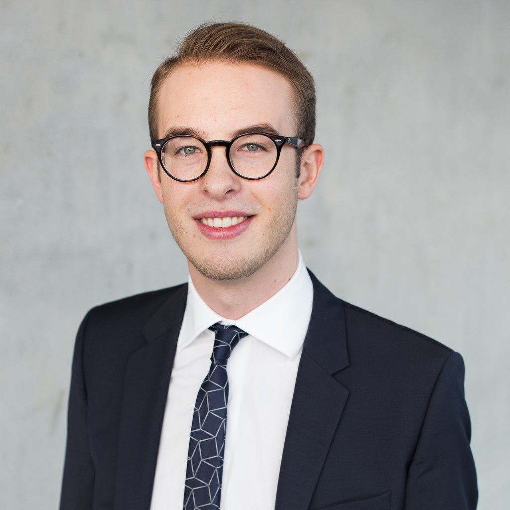 Pascal stumpf junior consultant strategy digital for Junior consultant