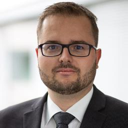 Dr. Lukas Staffler