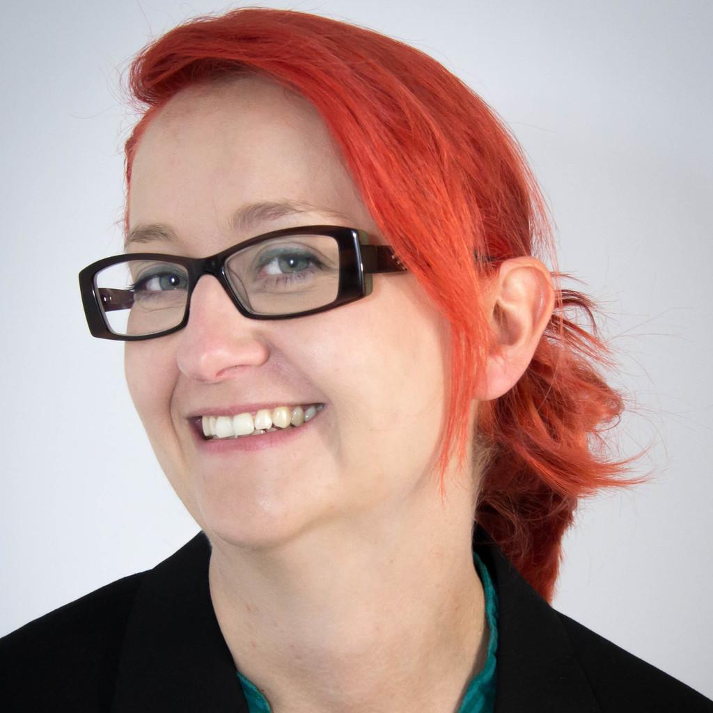 Madlen Heinich - Mitarbeiterin Qualitätsmanagement - Mitteldeutsche ...