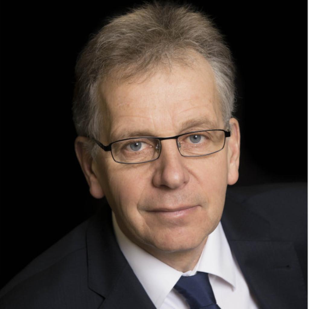 <b>Rolf Meyer</b> - Geschäftsführender Gesellschafter - Meyer & Meyer Holding GmbH ... - rolf-meyer-foto.1024x1024