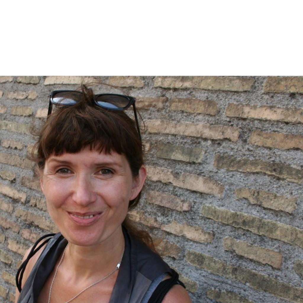Angela sch neck sprecherin spiegel tv xing for Spiegel tv verpasste sendung
