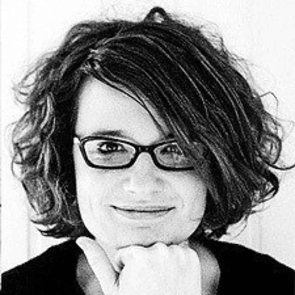 Michelle meyer modedesigner tranquillo gmbh xing for Modedesigner frankfurt