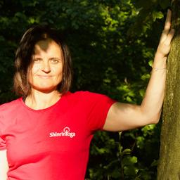 Angelika Maria Gierer - ShinrinYoga - Waldbaden. Aktiv-Meditation. Achtsamkeitstraining. - Wien