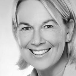 Sarah Helsing - Revlon Professional Brands / American Crew - Duesseldorf