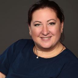 Yasmin Schiefelbein - Hays - Berlin