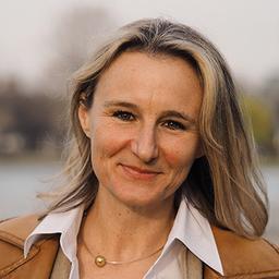 Claudia Samson