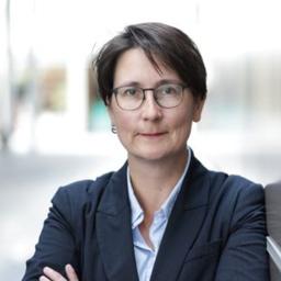 Dr. Claudia Levenig