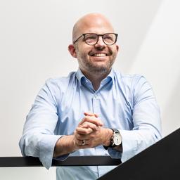 Dr. Florian Mezger