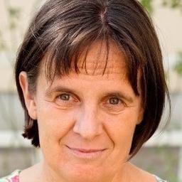 Dr. Elvira Hauska