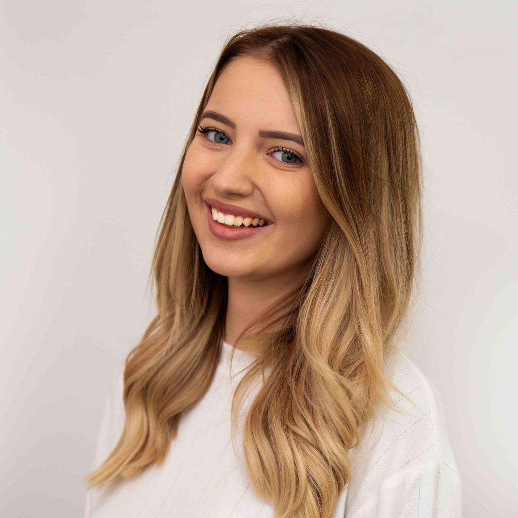 Alina Honig's profile picture