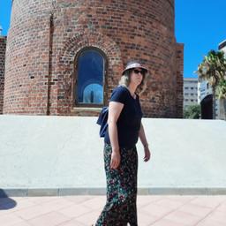 Bernadette Hohns