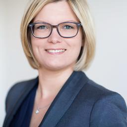 Dr. Sina Fäckeler - AXA Konzern AG - Köln