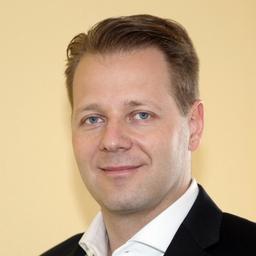 Florian Niffeler - STAPES GmbH - Kommunikation auf Augenhöhe. - Immensee