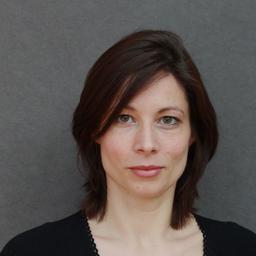 Dr. Esther Konieczny