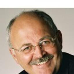 Dr. Wolfgang Schroeder