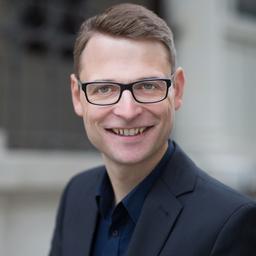 Dr. Bertram Triebel