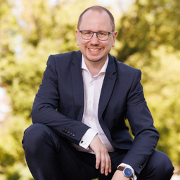 Dr. Oliver Langewitz