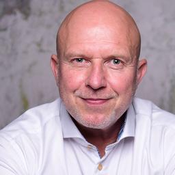 Frank Tischhart - STROBEL VERLAG GmbH & Co. KG - Soest